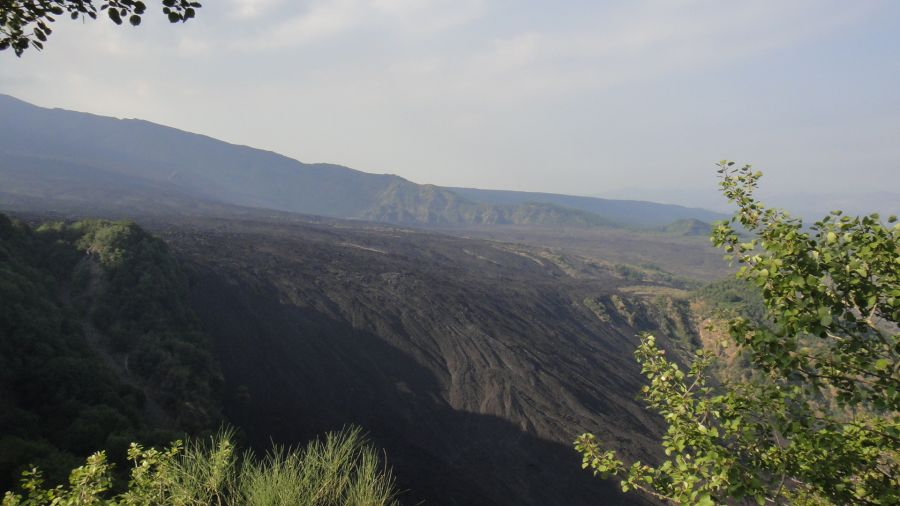 campuri de lava langa Zaferana