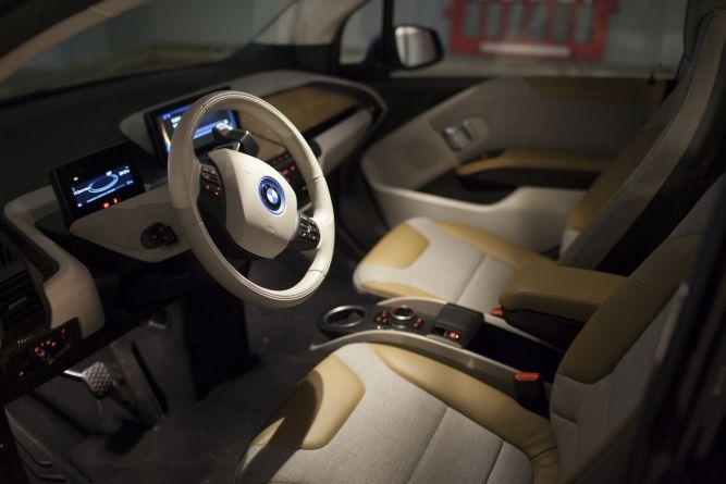 detalii design habitaclu BMW i3