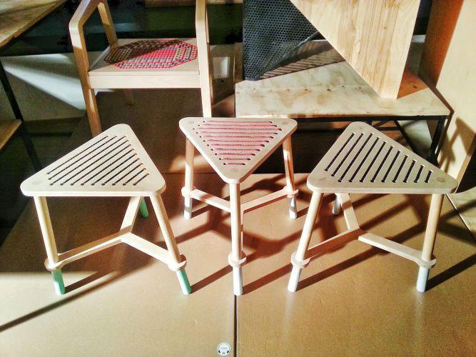 scaune triunghiulare prototip studio