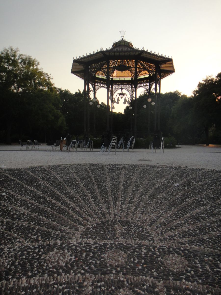 foisor in parcul Bellini din Catania